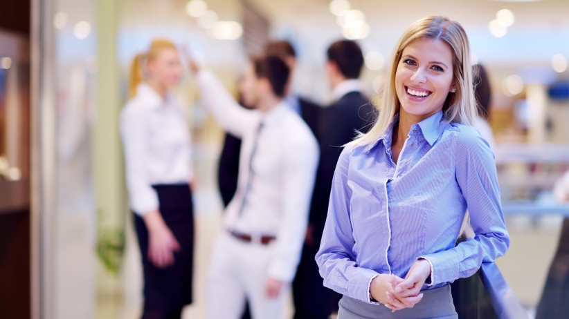 20150817160727-sucess-business-woman-in-office